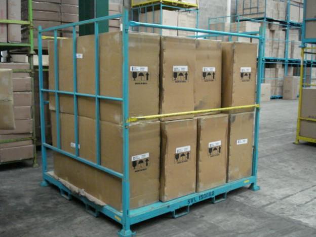 Container pentru transportul cutiilor