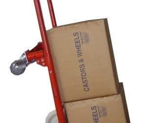 Carucior vertical pentru transportul cutiilor